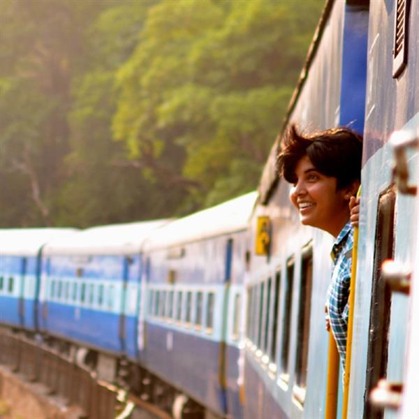 Golden Train - Golden Triangle With Indian Train Experience